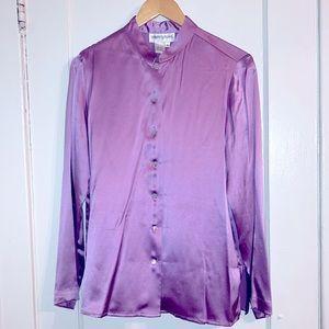 Light silk Bloomingdales blouse. Feels heavenly!